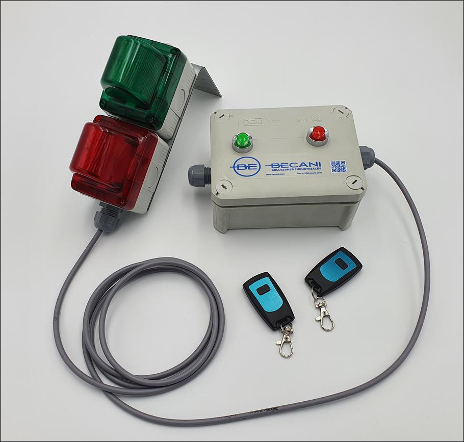 Equipo de control de acceso con mando a distancia